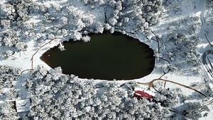 Limni Gölü'nde kış güzelliği