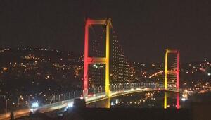 15 Temmuz Şehitler Köprüsüne dörtlü zirve ülkelerinin renkleri yansıtıldı