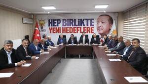 İl Başkanı Çopuroğlu, İlçe başkanları ve belediye başkanları ile görüştü