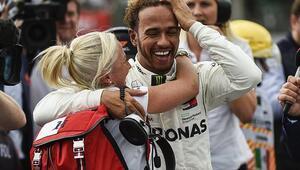 F1de şampiyon Hamilton Erken mutluluk...