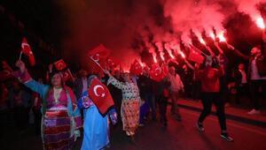 Karabağlarda Cumhuriyet yürüyüşü