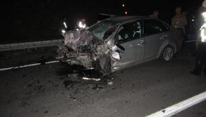 Otomobil ile kamyonet çarpıştı: 3 ölü, 3 yaralı/Ek fotoğraflar