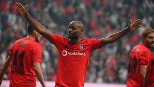 Beşiktaşta Vagner Love ve Mustafa Pektemek sevinci