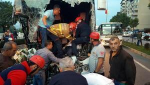 Yolcu otobüsü TIRa çarptı: 1 ölü, 17 yaralı (2)- Yeniden