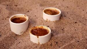 Ödemişliler, kumda ve közde pişen Türk kahvesini sevdi