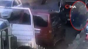 Feci olay Çekiciden düşen araçla minibüs arasında kaldı…