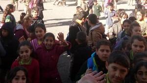 Karsta okulda yangın: 3 öğrenci dumandan etkilendi