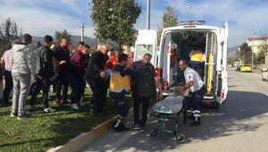 Patpat ile otomobil çarpıştı: 2 yaralı