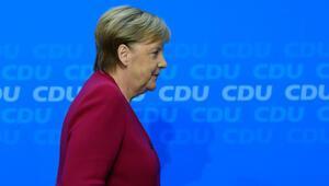 Merkelin gelecek yıl başbakanlığı bırakacağı öne sürüldü