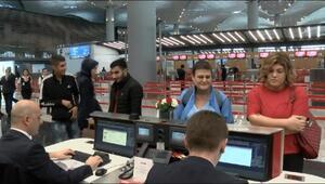 Yolcular ilk dış hat seferi için İstanbul Havalimanı'na geldiler
