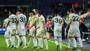 Fenerbahçede ilk 11de büyük sürpriz Şaşırtan tercih...