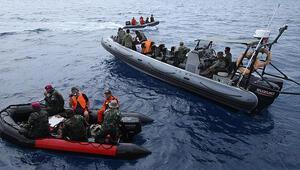 Endonezyada denize düşen uçağın karakutusuna ulaşıldı