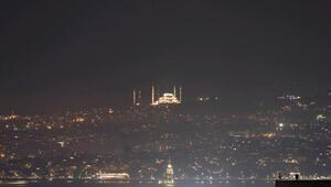 Çamlıca Camii aydınlatıldı