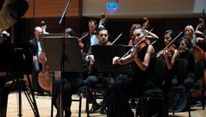 Yaşar Üniversitesi Oda Orkestrası'ndan Cumhuriyet konseri