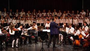 Cumhuriyet ve Atatürke vefa konseri