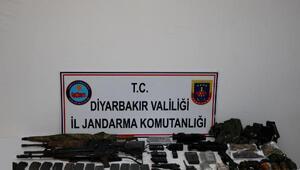 Diyarbakırda eylem hazırlığındaki 3 terörist yakalandı, 4 terörist öldürüldü