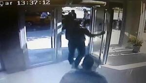 Banka sırasında vahşet dakikaları Bıçakla saldırdı