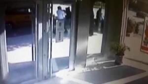 Bankadaki bıçaklı sıra kavgası kamerada