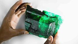 Zambiyada devasa zümrüt taşı bulundu