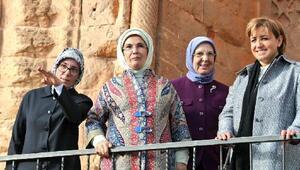 Emine Erdoğan: Kadınlar konusunda önemli noktalara geldiğimizi görmekteyiz (2)