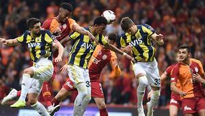 Galatasaray evinde Fenerbahçe ile berabere kaldı 4 gollü müthiş derbi...