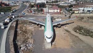 Restoran olacak uçağı görünce düştüğünü sanıyorlar