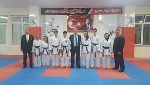 Şamiloğluspor karate kulübünde 7 sporcu silah kuşağa terfi etti