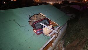 """Araç eve çatıdan girdi mahalleli ayağa kalktı: """"Misafirden çok araç geliyor bizim evimize"""""""