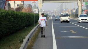 İstanbuldan CHP Genel Merkezine yürüyen yerel gazeteci Düzceye ulaştı