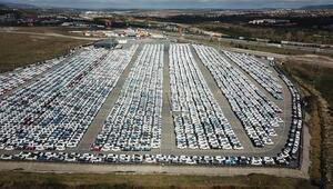Gümrüklerde bekleyen binlerce araç havadan fotoğraflandı