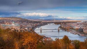 Budin ve Peşte'nin birleşmesinden oluşan Budapeşte'deki nehrin adı nedir