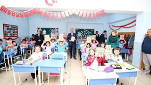 Yalova ders kitabı öğrencilere dağıtıldı