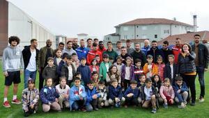 Öğrencilerden Boluspora sürpriz ziyaret