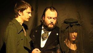 Dostoyevskinin eserleri tiyatro sahnesinde