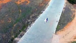 Denizlili teyze ilk kez drone görünce... İlginç görüntüler