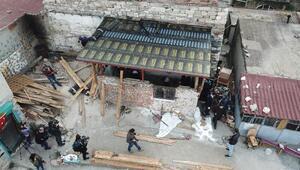 Dronea yakalanan tarih talancılarının yaptıkları barakalar yıkılıyor (2)