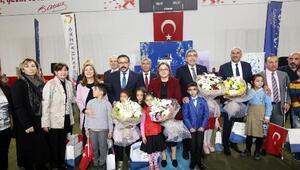 Gaziantepte 6 bin 200 öğrenciye kıyafet dağıtıldı