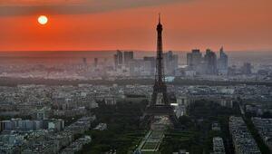 Dünya liderleri pazar günü Pariste bir araya gelecek