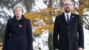 Son dakika... İngiltere Başbakanının konvoyuna araç daldı