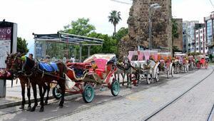 Antalyada faytonlar kaldırılıyor