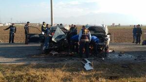 Afyonkarahisarda trafik kazası: 2 ölü, 3 yaralı