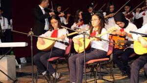 Mut'lu Çocukların Sesi'nden konser
