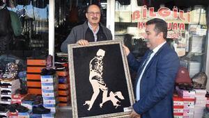 Karaisalı'da 10 Kasım'a özel  Atatürk tablosu