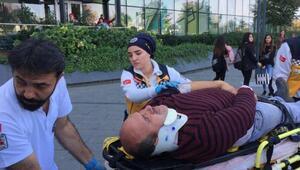 AVM önünde zincirleme kaza: 4 yaralı