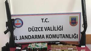 Silah kaçakçıları tutuklandı