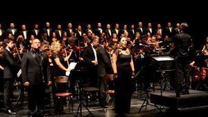 Operada Atatürk için ağıt
