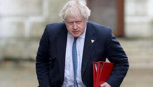 Johnson'dan 'tam teslimiyet' uyarısı