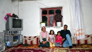 4 kişilik ailenin tek gözlü evde yaşam mücadelesi