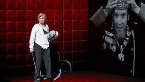 Hamlet Collage 22. İstanbul Tiyatro Festivalinde