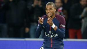 Mbappe PSGyi sırtlıyor